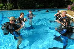 PADI IDC Confined Water Debrief